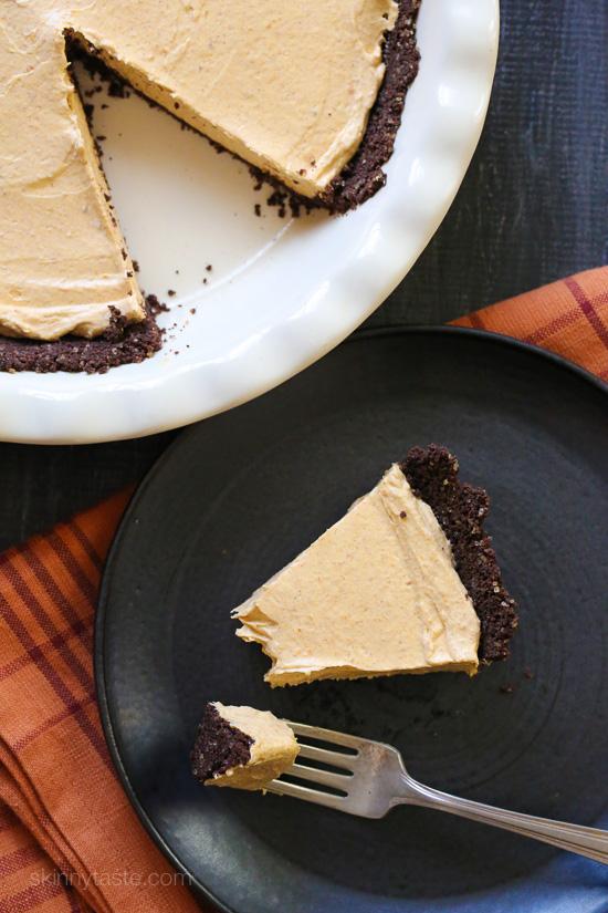 Pumpkin Spice No-Bake Cheesecake –an easy, light, Fall dessert!
